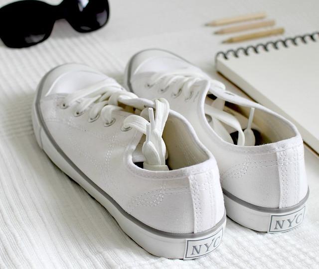 Schuhe gestalten durch Färben und Design