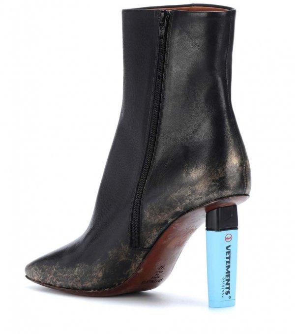 VETEMENTS Ankle Boots mit Blauem Absatz