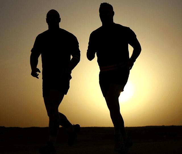 5 besten Laufschuhe für schwere Läufer