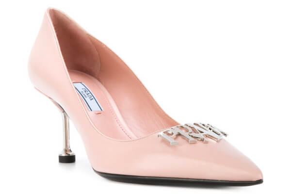 PRADA Pumps Plaque Logo Nude